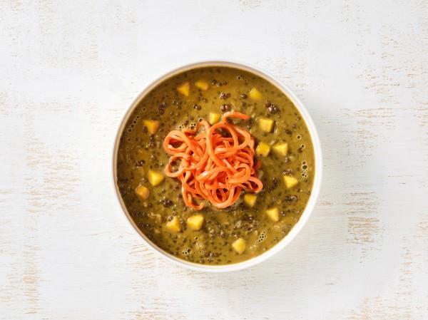 Suppe von Beluga-Linsen